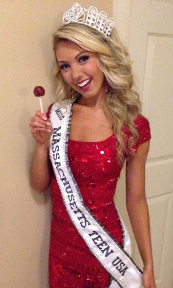 Miss Massachusetts Teen USA – Bailey Medeiros enjoying an Original Gourmet Lollipop