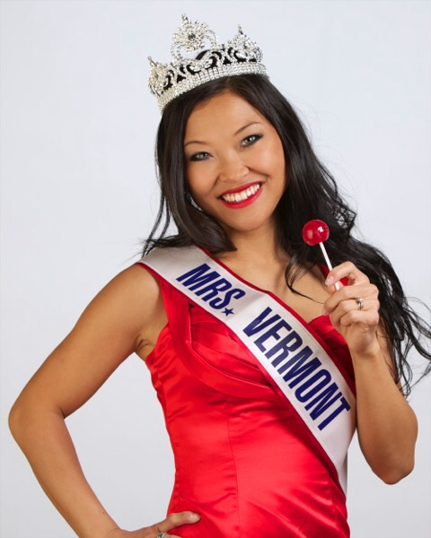 """These lollipops are the perfect fix for a sweet treat! I can't believe how long it lasted!"""". Sera Anderson, Mrs. Vermont America 2014"""