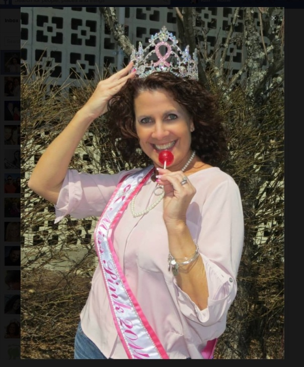 The Miss Pink Pageant has a wonderful titleholder in Lori Schumacher Cain. So great to see that Lori enjoys Original Gourmet Lollipops when she is out making public appearances. ¨¨*:·.EXTRAORDINARY·:*¨¨*:·