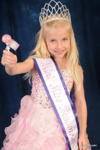 Mini Miss Beaumont, Avery Weidner  #oglollipops #ogfc.net  ‪#‎pink #madeinamerica